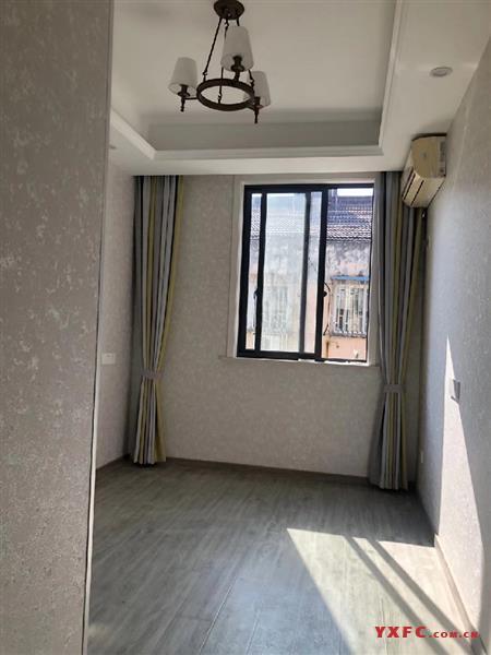 仓浜新村着地4楼,产证面积94平方米3室2厅1卫