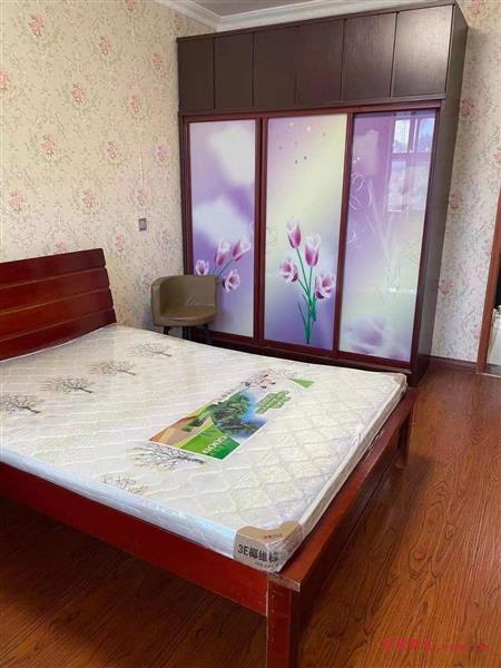 茶东新村精装1房/1厅/1卫朝南好房1600元/月