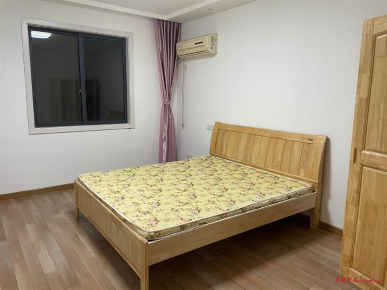 东家一村三楼出租,66平方,两室一厅一卫,精装修,管道煤气,设施齐全