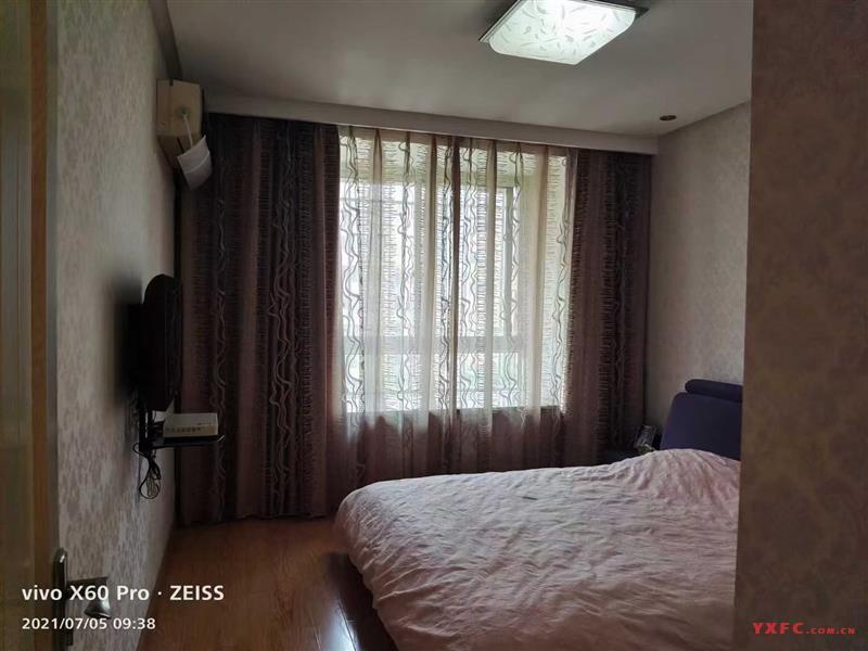 东郊一期3楼92平方,2室2厅Ⅰ卫,